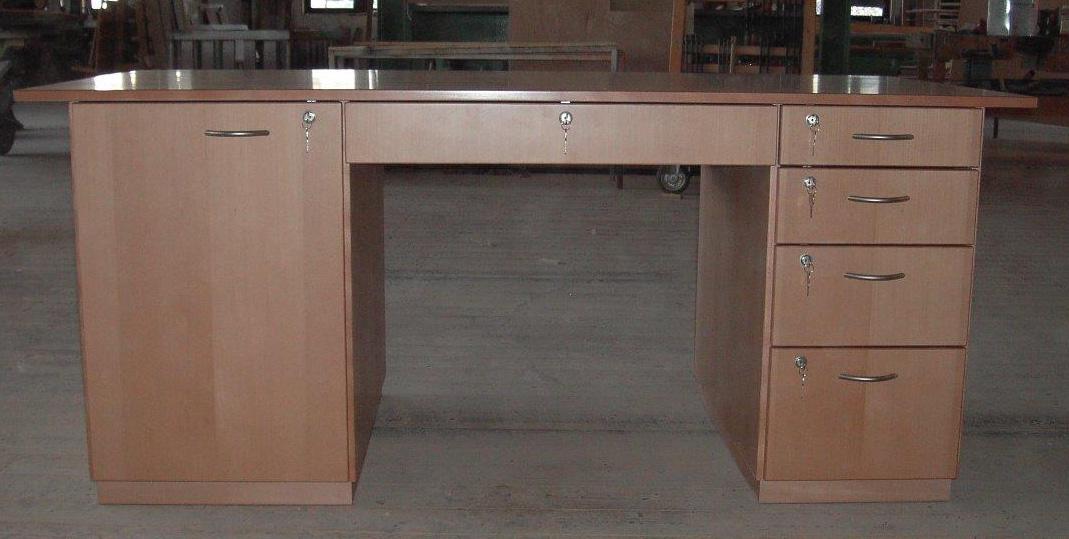 Schreibtisch_08